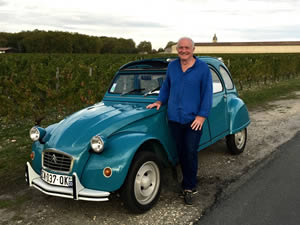 Rick with his 2CV in the Médoc